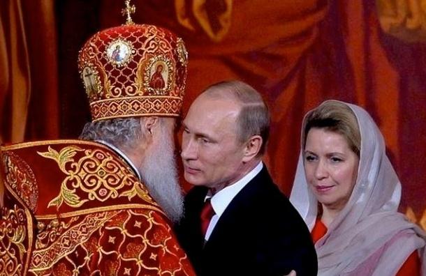 Активисты намерены ввести ежедневную молитву о Путине