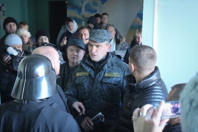 Дарт Вейдер не смог проголосовать на выборах в Раду: Фото