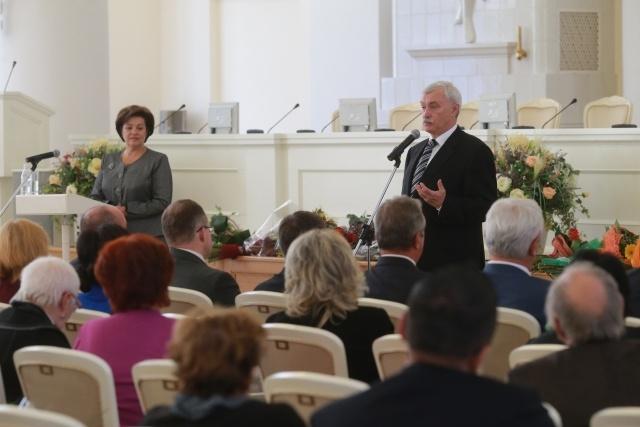 Полтавченко вручил награду «За гуманизацию школы».: Фото