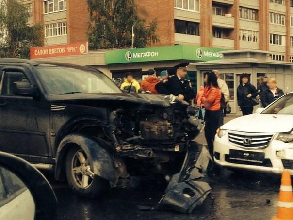 В Колпино в массовом ДТП пострадали три человека: Фото