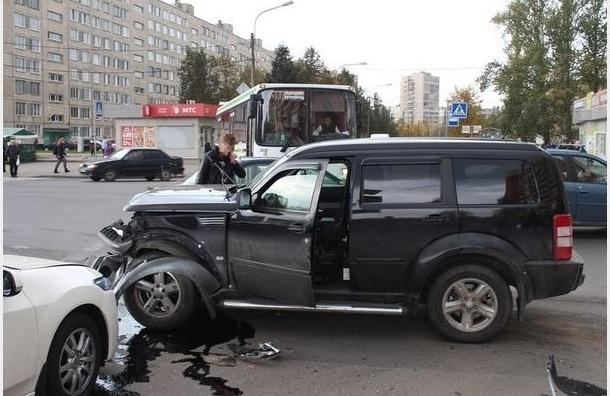 В Колпино в массовом ДТП пострадали три человека