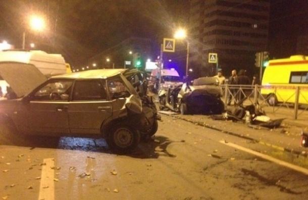 В Петербурге в массовом ДТП погибли три человека
