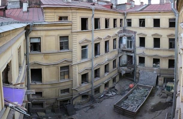Возбуждено уголовное дело по факту повреждения дома Штакеншнейдера
