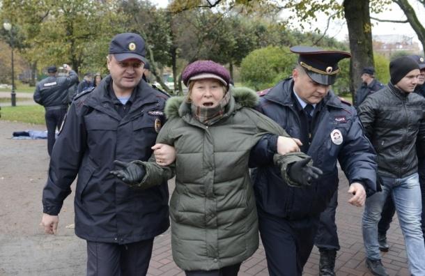 Полиция у Смольного задержала выселенных «ильюшинцев»