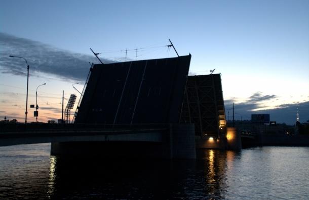 В 2015 году Тучков мост станет односторонним