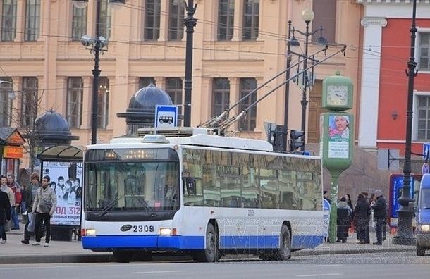 Проезд в общественном транспорте в Петербурге подорожает