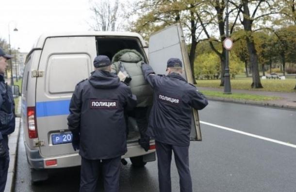 «Ильюшинцы» провели ночь у Смольного и продолжают протест