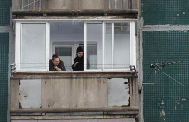 Двое влюбленных упали с балкона на улице Тамбасова