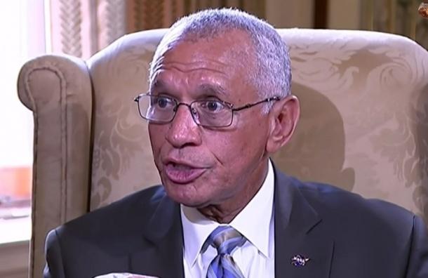 Глава НАСА заявил о существовании жизни на Марсе