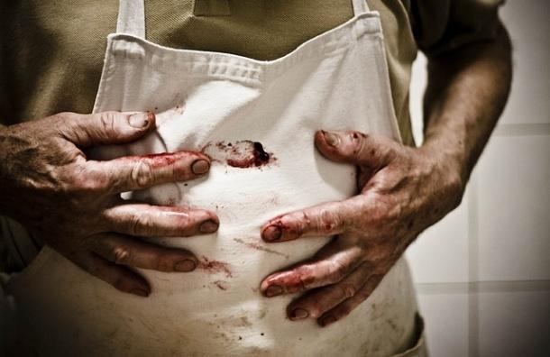 В Петербурге мясник отрубил палец соседу со словами «ты наказан»