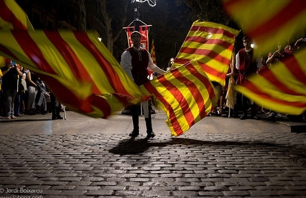 Полиция разогнала многотысячную акцию за независимость Каталонии