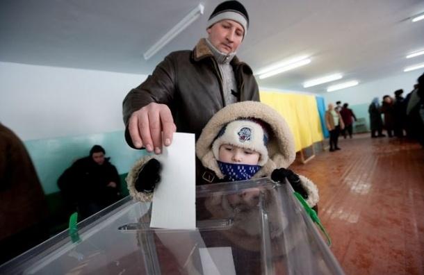 Порошенко в день выборов посетил зону АТО