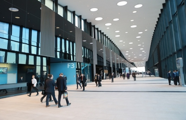 В Шушарах открылся огромный конгресс-центр «Экспофорум»