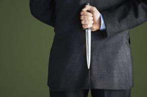 В Петербурге офисный менеджер зарезал мужчину на улице