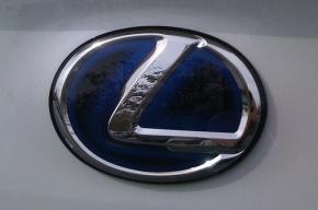 В Петербурге водитель Lexus заплатит 700 тысяч за наезд на пенсионерку