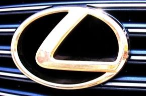 Полицейский на Lexus стал виновником серьезного ДТП на Петроградке