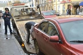 На Петроградке один человек пострадал в ДТП с эвакуатором