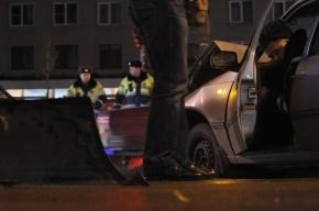 На Петроградке автомобиль полиции протаранил иномарку