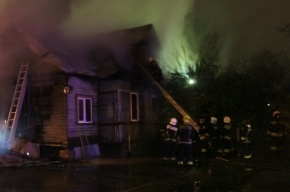 В Колпино тушили пожар по повышенному номеру сложности