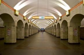 В Петербурге будут судить грабителя, ударившего пассажира метро головой о колонну