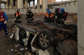 Машина упала со строящегося моста в Петербурге, водитель погиб