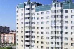 На Ленинском проспекте 27-летняя женщина выпрыгнула с 14 этажа