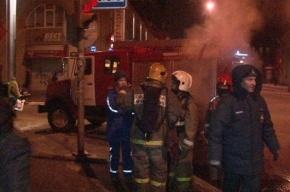 В Петербурге спасатели эвакуировали 65 человек в трех ночных пожарах