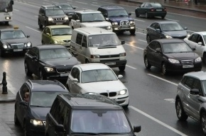 Маршала Казакова стоит в пробке после ДТП с пешеходами