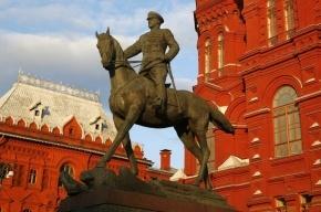 В Москве самоубийца на «Жигулях» врезался в памятник Жукову