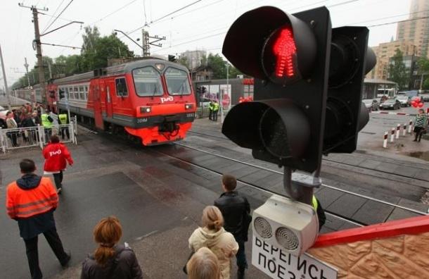Поезд переехал полицейского в Подмосковье