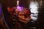 В районе Тучкова моста автомобиль упал в Неву: Фоторепортаж