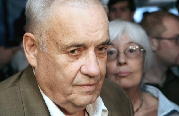 Эльдар Рязанов находится в реанимации в тяжелом состоянии