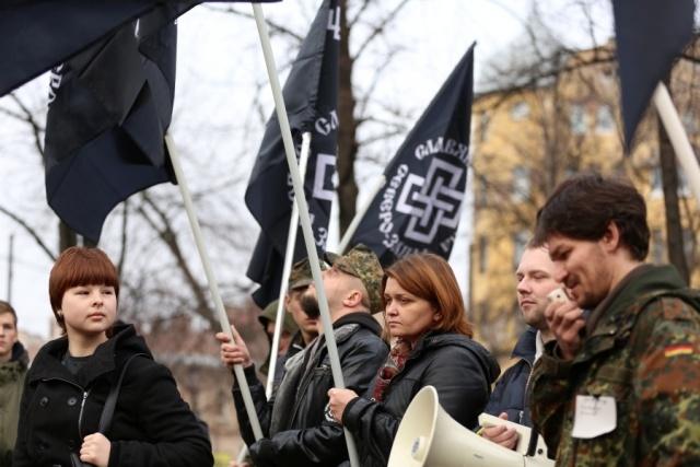 В центре Петербурга националисты митинговали «За славянское единство»: Фото