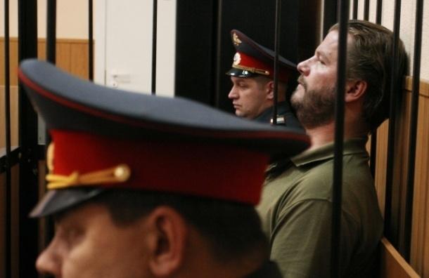 «Жемчужный прапорщик» получил три года условно за стрельбу в кафе