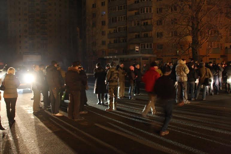 Жители в знак протеста перекрыли Токсовское шоссе, 8 декабря 2009 года