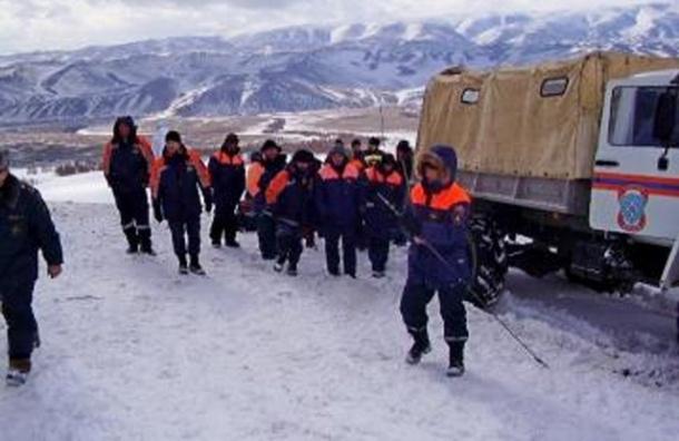 Петербуржцы в отряде горнолыжников попали под лавину в Бурятии
