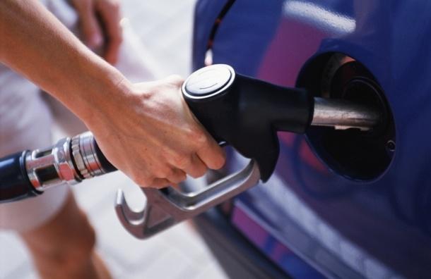 В России цены на бензин в 2015 году могут вырасти на 15%