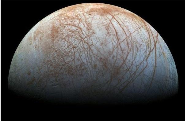 NASA опубликовало уникальное фото спутника Юпитера