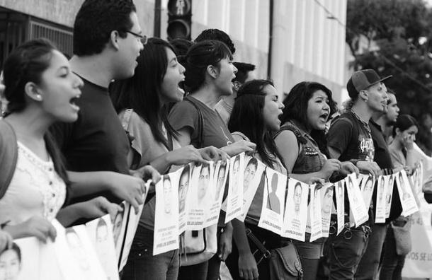 В Мексике убийство десятков студентов вызвало массовые протесты