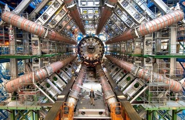 В Большом адронном коллайдере нашли новые субатомные частицы