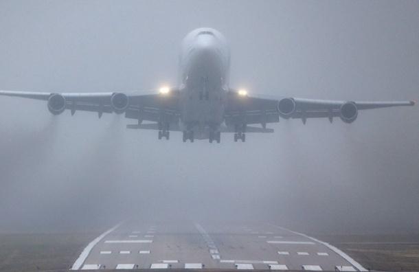 Рейс Сыктывкар-Петербург приземлился в Москве из-за тумана в Пулково