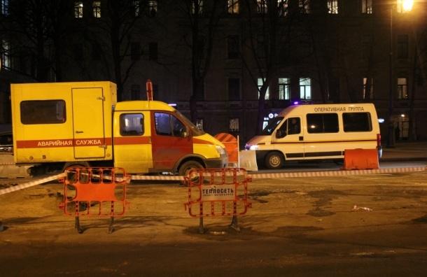 Прорыв трубы на Ковенском переулке ограничил подачу тепла в 65 домах