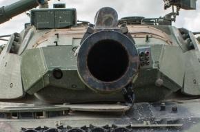 На заводе в Стрельне рабочему раздавило голову стволом от танка