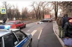 КАМАЗ сбил пешехода на набережной Черной речки