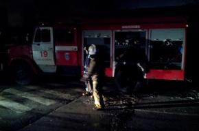 В Петербурге на Кировском заводе сгорел ремонтируемый цех
