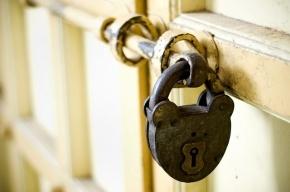 Двое приезжих ограбили склад на Митрофаньевском шоссе