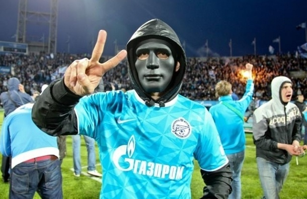 Видео драки фанатов ЦСКА и Зенита в Тверской области появилось в сети
