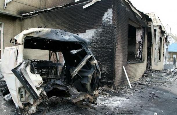 В Донецке 2 человека погибли и 8 пострадали при попадании снаряда в автобус