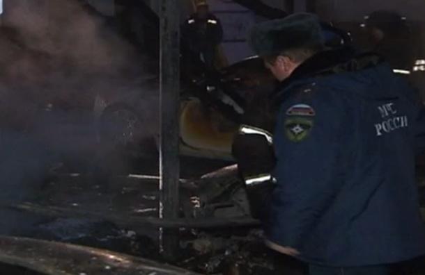В Москве сгорел гараж элитных иномарок общей стоимостью более 150 млн