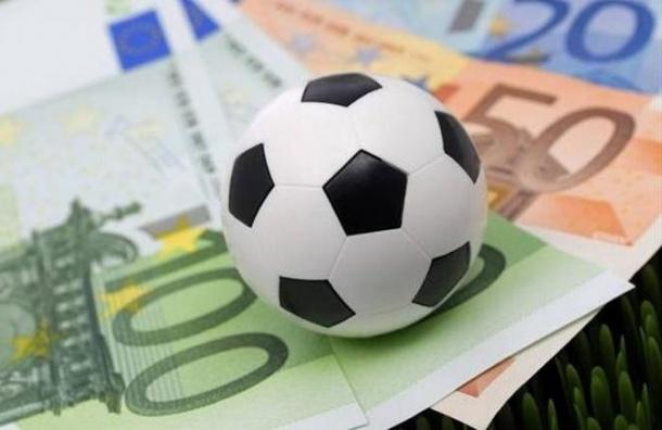 Для расчета зарплат футболистам клубов Премьер-лиги заморозили курс валют